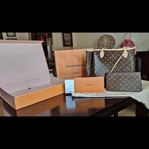 Authentic Louis Vuitton pouch/ wristlet GM